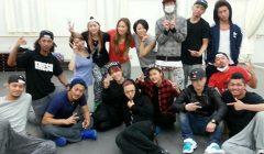 13040102-jyj-family-friends-and-dancers