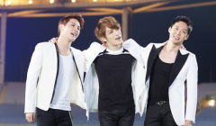jyj-singing-together
